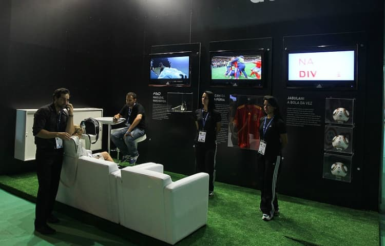 Why Artificial Grass is Ideal for Exhibition Stands