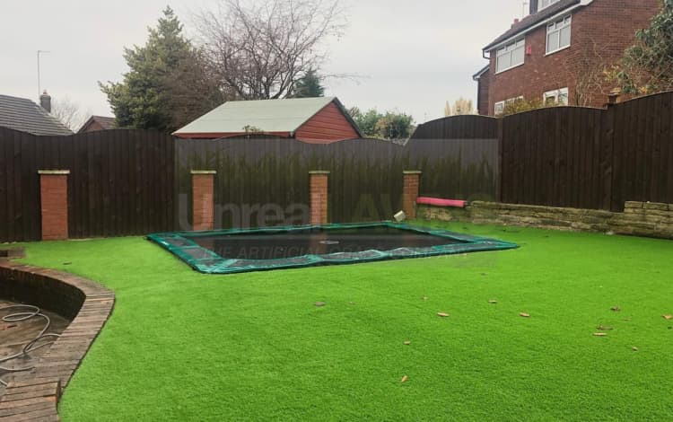 How to Use Artificial Grass for a Child Friendly Garden