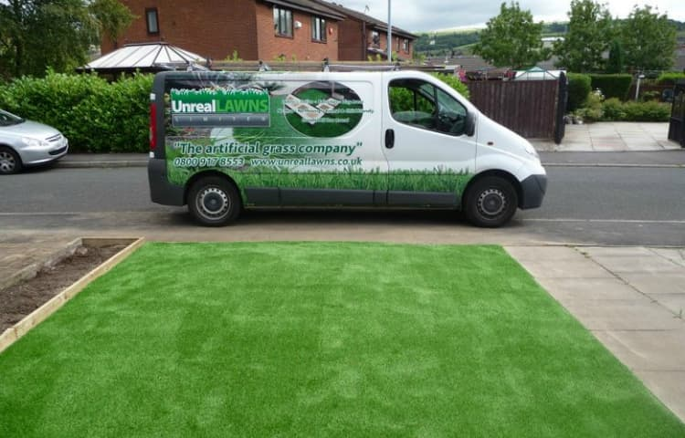 Benefits of Hiring a Professional to Install Your Artificial Grass